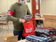 "Photos: ""Who is Hussain?"" volunteers in Chicago donated 120 bags to homeless in a cold weather"